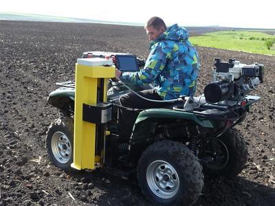 Сбор проб грунта при помощи квадроцикла